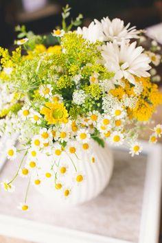 Blumengestecke für Hochzeit gelb Vase