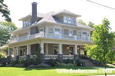 A grand home in the neighborhood of Irvington in Portland, Oregon.