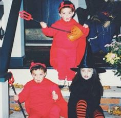 Happy Halloween!!! It's 2 little Grayson and Ethan and a little Cameron... Awwwwe how cute!!!