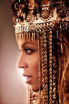 "Beyonce wearing the headdress from ""Run the World (Girls)"" music video."