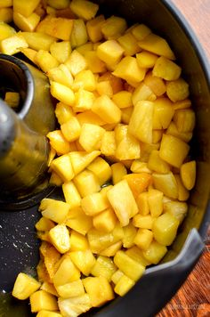 Enjoy two delicious courses courtesy of Tefal Actifry, Spiced Thai Chicken Curry and Roast Pineapple and Mango - delish! Duck Recipes, Gourmet Recipes, Healthy Recipes, Salt Crackers, Tefal Actifry, Thai Chicken Curry, Actifry Recipes, Roasted Pineapple, How To Roast Hazelnuts