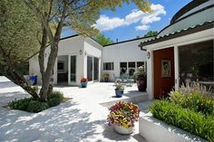 9 Trusdale Drive Old Westbury NY | The Maria Babaev Team | Douglas Elliman Real Estate