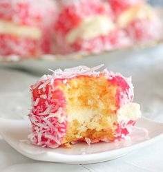UNKNOWN DELICE from New Zeland Raspberry Lamingtons