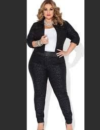 Image result for Plus Size Model Laura Lee Big Girl Fashion, Curvy Fashion, Plus Size Fashion, Fashion Models, Ladies Fashion, Womens Fashion, Full Figured Women, Plus Size Designers, Girl With Curves