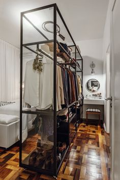 10 Stunning Open Closet Concepts For Innovative House Teen Bedroom Designs, Bedroom Closet Design, Wardrobe Design, Closet Designs, Casa Muji, Muji Haus, Boutique Interior, Condo Design, Home Interior Design