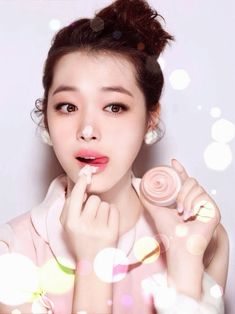 Beauty Tips For Skin Whitening – Having a dull skin blotchy and lifeless is really a nightmare, regardless of our age or time of year. If you are looking for beauty tips
