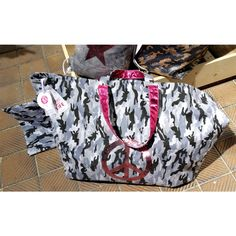 cute stuff : cute stuff, Big Shopper, Camouflage, Peace, grey Camouflage, Peace, Grey, Cute, Bags, Fashion, En Vogue, Scarves, Camo