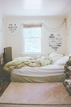 small rooms, bed white white white   by kate chausse, via Flickr