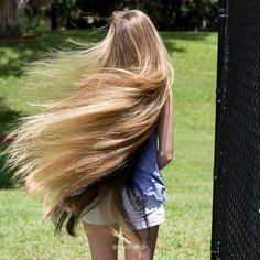 👑Real Life Rapunzel👑 Model: 🇺🇸 Florida🏅 Portfolio: 📷 See all post 👉 Notes 📋: She's a real life fairytale ❤ Beautiful Long Hair, Gorgeous Hair, Amazing Hair, Up Hairstyles, Pretty Hairstyles, Real Life Rapunzel, Hair Junkie, Hair Growth Tips, Silky Hair