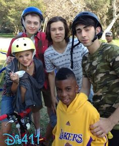 """Photos: Dylan Riley Snyder With His """"Kickin' It"""" Co-Stars"""