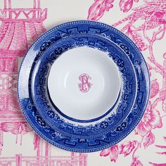 Add a custom personal touch to our white porcelain dinnerware for gorgeous place settings. Custom monogrammed china enhances your tablescapes and sets the mood for dinner. Choose from 5 colors and 3 fonts at https://www.sashanicholas.com/shop-all/weave-monogrammed-petite-bowl/ | Tablescapes & Home D�cor | Pink + Raspberry | Dinnerware | China | Wedding Registry | Ideas | Monogrammed