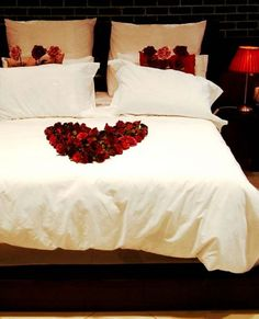 Romantic Valentine Bedroom Decor Ideas You Should Try - You're probably tired of reading articles on how to decorate your dining room for Valentines, how to decorate your table for the perfect Valentine din. Bedroom Games, Bedroom Decor, Bedroom Ideas, Cozy Bedroom, White Bedroom, Master Bedroom, 1930s Bedroom, Night Bedroom, Bedding Decor