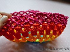Crochet rainbow purse - free pattern