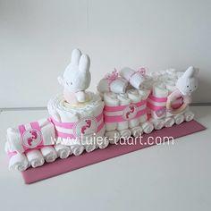 Mega Luiertaart Trein Nijntje Kraamcadeau Babyshower Baby Shower Cakes, Baby Shower Gifts, Baby Gifts, Baby Shawer, Diy Baby, Baby Presents, Gift Baskets, Diy For Kids, Birth