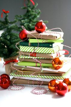 A very bookish Christmas countdown: use this literary DIY Advent calendar to count down to Christmas, one book at a time. Includes a list of great children's books to include.