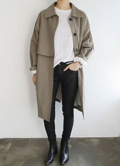 View our simple, relaxed & effortlessly neat Casual Outfit inspirations. Get motivated with these weekend-readycasual looks by pinning your most favorite looks. casual outfits for teens Look Fashion, Fashion Outfits, Womens Fashion, Fashion Trends, Petite Fashion, Fashion Coat, Fall Fashion, Workwear Fashion, Fashion Blogs