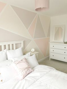 Painted Feature Wall, Feature Wall Bedroom, Girl Bedroom Walls, Accent Wall Bedroom, Room Ideas Bedroom, Bedroom Decor, Feature Walls, Girl Rooms, Wall Decor