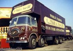 Vintage Tractors, Vintage Trucks, Classic Trucks, Classic Cars, Towing Vehicle, Ashok Leyland, Old Lorries, Old Wagons, Fun Fair