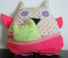 Adorable handmade plush owl with her little baby $20 (excludes sending fees). For sale here http://www.facebook.com/mu.xi.cu - muxicu.handmade@gmail.com