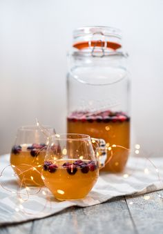 Cranberry Apple Cider Punch Recipes Based On Ingredients, Thanksgiving This Year, Star Anise, Fresh Cranberries, Easy Cocktails, Drink Dispenser, Punch Recipes, Big Party, Ginger Ale