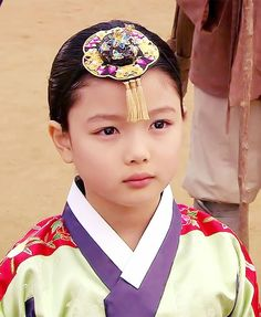 Of all the three current IT grown up Korean child actresses, only Kim Yoo Jung has been well known for one specialty whereas the other two Kim Sae Ron and Kim So Hyun haven't built up any niche in any … Continue reading → Child Actresses, Korean Actresses, Korean Actors, Child Actors, Kim Yu-jeong, Kim Joo Jung, Cute Spanish Quotes, Korean Accessories, Good Comebacks