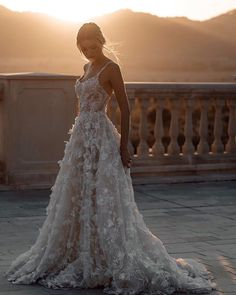 2020 Wedding Dress Black And Gold Bridesmaid Dresses H&M Wedding Anne Curtis Wedding Gown Harry Potter Wedding Latest Wedding Gowns, Plus Wedding Dresses, Informal Wedding Dresses, Western Wedding Dresses, Bridal Dresses, Lace Dresses, Bustier Wedding Dresses, Western Weddings, Most Beautiful Wedding Dresses