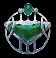 This is not contemporary - image from a gallery of vintage and/or antique objects. MURRLE BENNETT & Co 1896-1916 Jugendstil Brooch Silver Enamel Chalcedony Pearl