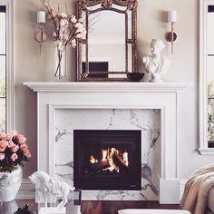#fireplace #mirror #luxury #livingroom #stylish #sophisticated #royal #coffeetable #home #homedecor #homedesign #homeinterior #homesweethome #homeinspiration #interior #instalove #instadaily #inspiration #interiordesign #perfecthomeideas #roominterior #beautifulhome #beautifulhouse #decor #design #details