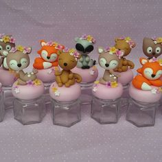 1 million+ Stunning Free Images to Use Anywhere Fondant Animals, Clay Animals, Wild One Birthday Party, 1st Birthday Girls, Clay Jar, Crafts For Kids, Diy Crafts, Free To Use Images, Fondant Toppers