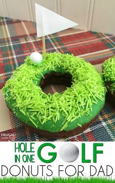 We love these Golf Donuts for Dad! We made an easy Father's Day Dessert that is creative and fun and personalized just for dad! It's a hole in one! Also free donuts for dad invite printable on Frugal Coupon Living. Diy Father's Day Gifts, Father's Day Diy, Gifts For Dad, Fathers Day Cake, Fathers Day Crafts, Crafts For Kids, Diy Crafts, Yarn Crafts, Birthday Desserts