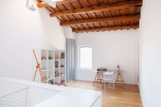 Comprehensive rehabilitation of 1900 housing in the old town of Viladecavalls. Originally, the house already had ground floor, floor and cellar, all adapted . Hostel Barcelona, Agi Architects, Interior Minimalista, Ground Floor, Loft, House Design, Flooring, Rustic, Architecture