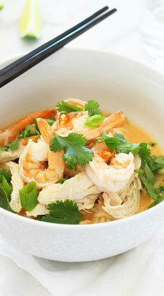 Coconut Curry Noodle Bowl – incredibly delicious, light, and refreshing Coconut Curry Noodle Bowl topped with chicken, shrimp, & herbs | rasamalaysia.com