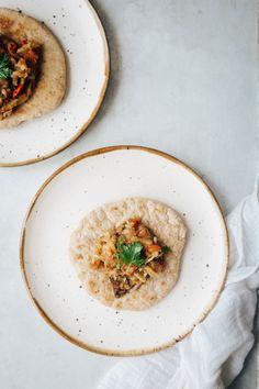 Naans au petit épeautre *et caviar d'aubergine* - Carnet de printemps