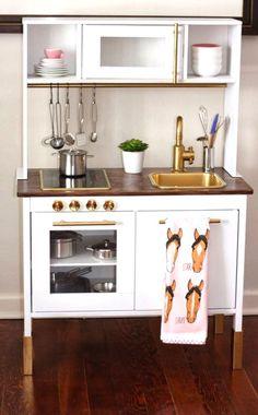 Cocinita de juguete de Ikea #juguetes #cocinitas                                                                                                                                                                                 Más