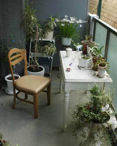 Outdoor desk space! 10 Inspiring Small Space Balcony Gardens