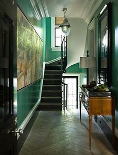 Ah green in high sheen, oh the walls of this hall really sing! Interior Design