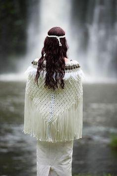 Antique White Korowai 40 inch width 28 inch length NB: Greenstone necklaces are not included. Polynesian Designs, Maori Designs, Flax Weaving, Hand Weaving, Weaving Art, Maori Patterns, Native American Wedding, Flax Flowers, Nz Art