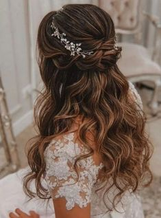 43 Gorgeous Half Up Half Down Hairstyles Fabmood Wedding Colors Wedding Themes Wedding color palettes 43 Gorgeous Half Up Half Down Hairstyles Fabmood Wedding Colors. Half Up Wedding Hair, Elegant Wedding Hair, Elegant Bride, Glamorous Wedding, Gown Wedding, Wedding Rings, Wedding Dresses, Wedding Jewelry, Wedding Ceremony