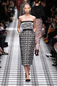 Look Back on Alexander Wang's Greatest Hits at Balenciaga Fashion Line, Live Fashion, Runway Fashion, Fashion Show, Fashion Outfits, Fashion Design, Paris Fashion, Balenciaga, Alexander Wang