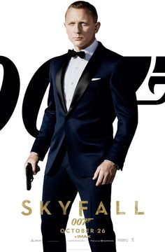 Daniel Craig is back as James Bond 007 in Skyfall, the adventure in the longest-running film franchise of all time. In Skyfall, Bond's loyalty to M (Judi Dench) is tested as her past comes ba… Terno James Bond, James Bond Tuxedo, James Bond Suit, Bond Suits, Tom Ford James Bond, James Bond Skyfall, James Bond Movies, Tom Ford Tuxedo, Tuxedo Suit