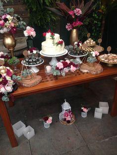 Mesa do Bolo - Mini wedding - Decoração Marsala e rosa chá - Boho