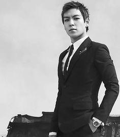 my beautiful bias Choi Seung-hyun (최승현), a. Daesung, Top Bigbang, Kpop, Top Hairstyles For Men, Kdrama, Top Choi Seung Hyun, Yoo Ah In, Hot Asian Men, Into The Fire