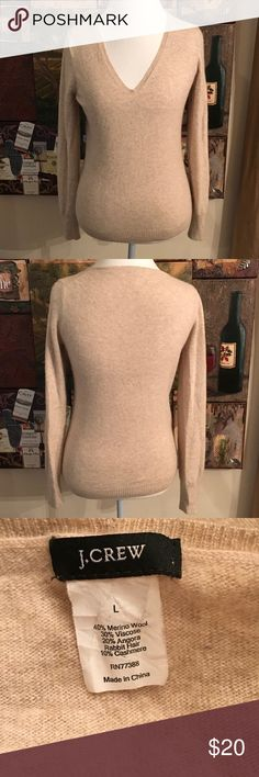 J. Crew Merino Wool Cashmere Blend Sweater. Sz L J. Crew Merino Wool Cashmere Blend Sweater. Soft. Size L J. Crew Sweaters V-Necks