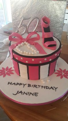 Pink Black Amp White Ladies 40th Birthday Cake With Shoes