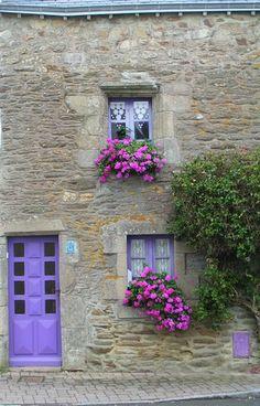 St Gildas du Rhuis, Bretagne, France Chão de pedra, parede de pedra é um luxo de nobreza.