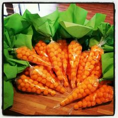Cheese puff balls as carrots. Farm Animal Birthday, Farm Birthday, Birthday Party Themes, Easter Snacks, Easter Treats, Farm Party, Food Crafts, Party Snacks, Craft Party
