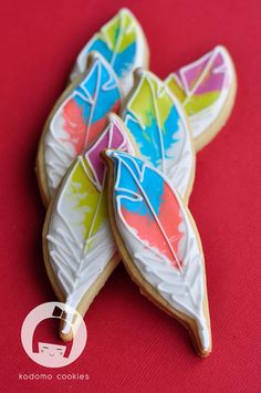 I am in love with these feather cookies!