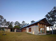 Hinterland House / Shaun Lockyer Architects
