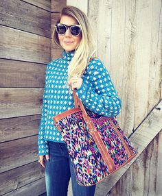 Our girl Lisa from @lunchpailsandlipstick looks adorbs with a Vintage Lucia Carryall. #nenandco