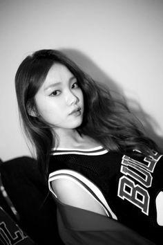 이성경. Lee Sung Kyung Yg Kplus, Korean Girl, Asian Girl, Jong Hyuk, Lee Sung Kyung, Weightlifting Fairy Kim Bok Joo, Korean Actresses, Korea Fashion, Korean Celebrities